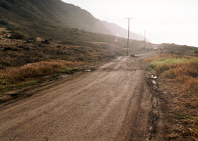 Unpaved eastern approach to Kaena Pt.