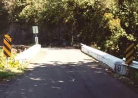Hana Hwy bridge with 1911 date stamped into end