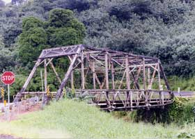 Side view of the pre-restoration Hanalei Bridge