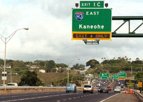 Exit onto Interstate H-3, from Interstate H-201/Hawaii 78