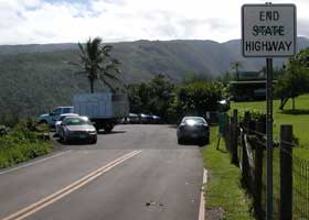 Akoni Pule Highway (state route 270) ends here at the dead-end for the Polulu Valley Lookout